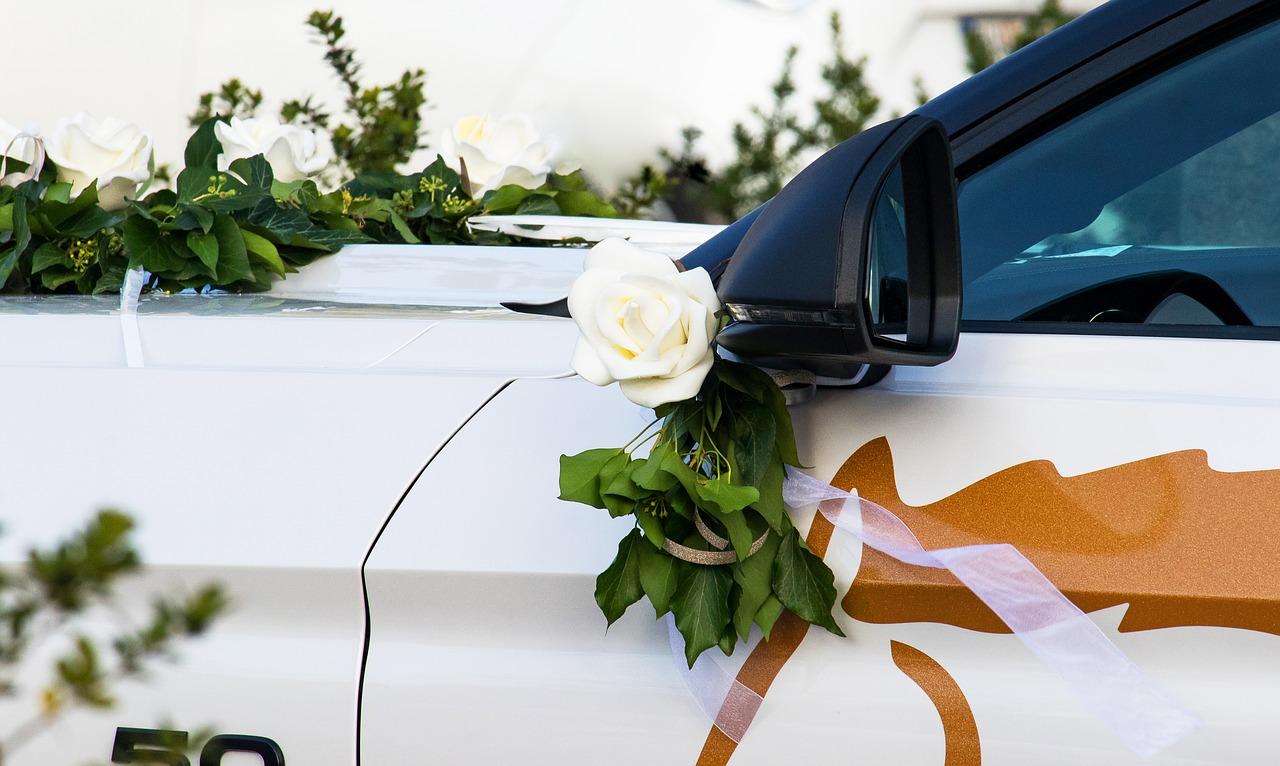 Najam vozila za venčanja